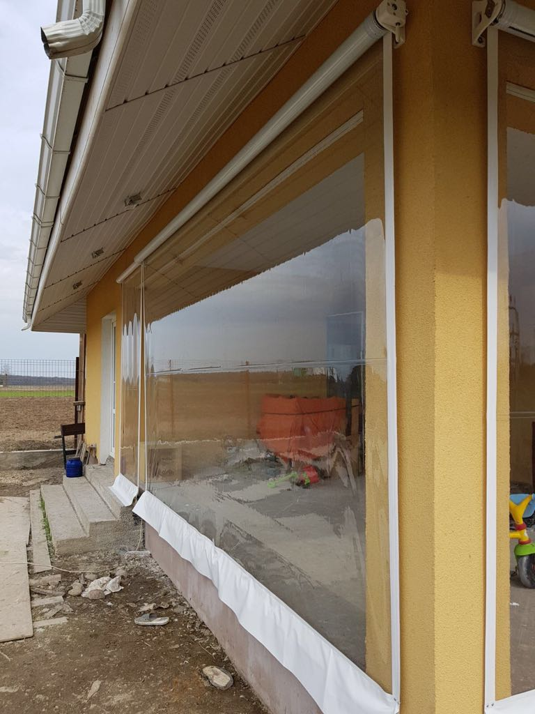 Rulouri transparente pentru terase